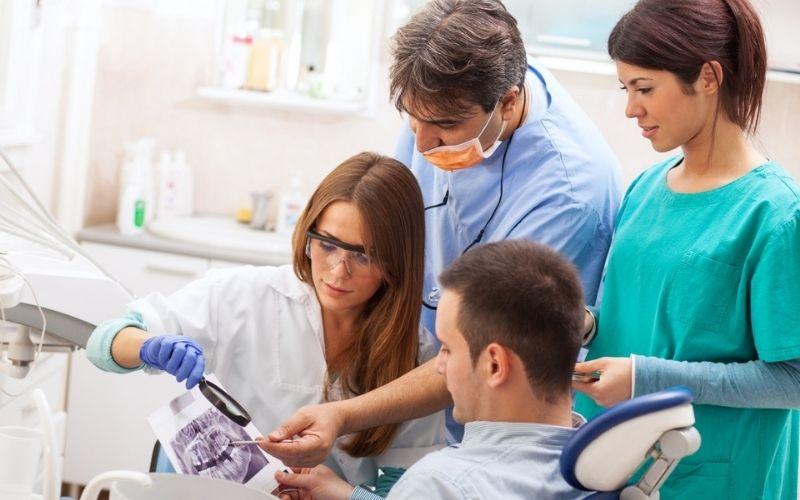 Xây dựng chương trình đào tạo tiêu chuẩn cho nhân lực nha khoa