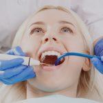 Trồng răng sứ Titan là gì, quy trình và chi phí thực hiện